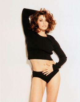 Фото обнаженной Джины Гершон из других журналов (голая грудь)