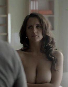 Обнаженная Мария Шумакова на горячих кадрах из кино