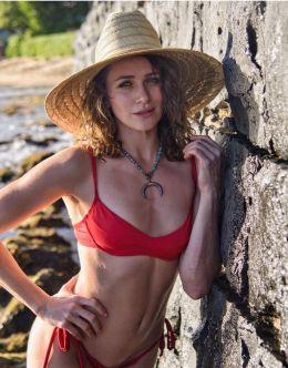 Шантель Вансантен на фото в купальнике