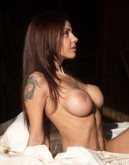Голая Беркова на фото из эротических фотосессий
