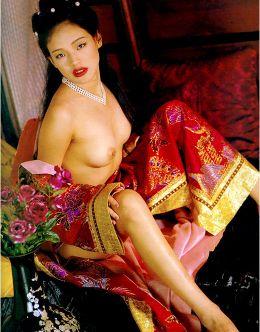 Горячие фото голой Шу Ци из журналов