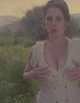 Ирина Сотикова в нижнем белье на эротических кадрах из кино