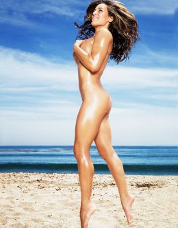 Полностью голая Миша Тейт на фото из журналов