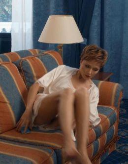 Засветы Даши Поверенновой из сериала «Завтрак в постель» (ножки)