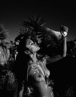 Полностью голая Натали Келли на горячих фото из личного архива