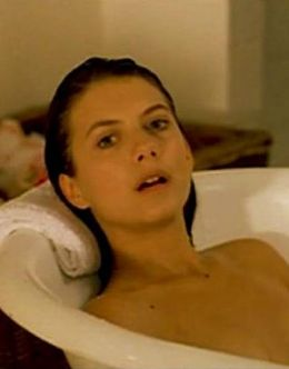 Полностью голая Мелони Лоран в кино