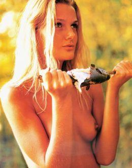 Полностью голая Екатерина Мельник на фото из «Плейбой»
