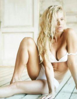 Эротические фото Натальи Дворецкой из журнала «Максим»