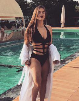 Горячие фото Милы Сайфутдиновой в купальнике