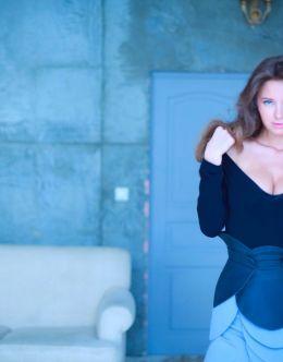 Горячие фото Костеневой в мужских журналах
