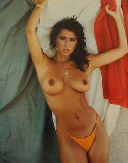 Голая Сабрина Ферилли на фото из журналов