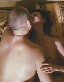 Эротические кадры с голой Юлией Агафоновой из других фильмов