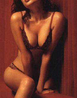 Эротические фотки Анны Азаровой в Maxim
