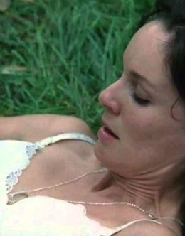 Горячие кадры Сары Уэйн Кэллис в нижнем белье из кино