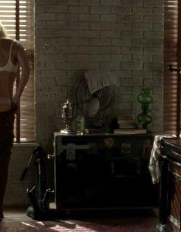 Горячие кадры с Лори Холден из сериала «Ходячие мертвецы»