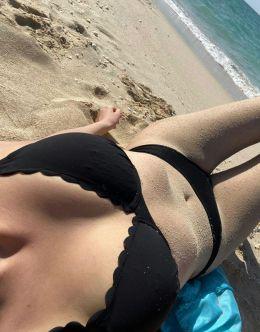 Лиза Клубничка в купальнике
