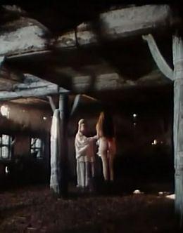 Голая Ольга Сумская в фильме «Голос травы» (1992)