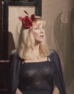 Засветы груди Ирины Мирошниченко из пьесы «Татуированная роза» (1982)