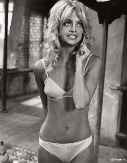 Горячие фото молодой Голди Хоун