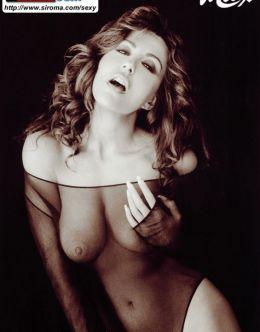Горячие фото Сабрины Ферилли в нижнем белье