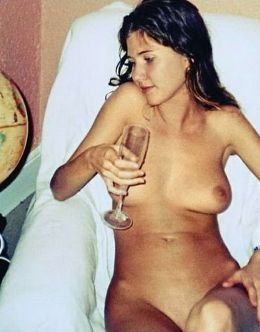 Горячие фото голой Анны Чапман из домашнего архива
