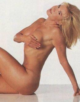 Полностью голая Синтия Ротрок на горячих фото из Плейбой
