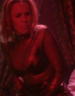 Джессика Макнэми в нижнем белье из фильма «Саранча»