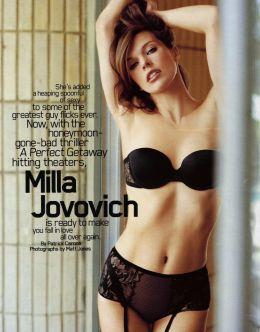 Мила Йовович в нижнем белье