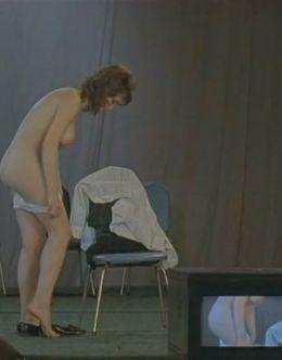 Голая Наталья Щукина на эротических кадрах из фильма «Секс и перестройка» (грудь, попа, киска)