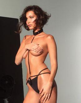 Горячие фото Беллы Хадид в нижнем белье (попа, грудь)