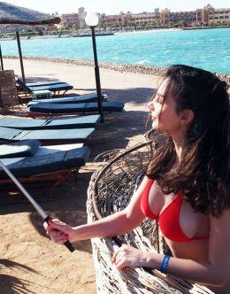 Соня Гудим в купальнике