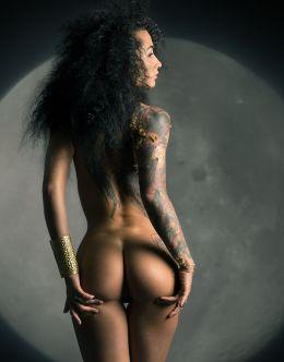 Горячие фото с голой Анжеликой Андерсон (голая попа и грудь)