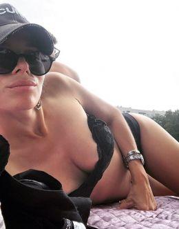 Ольга Павлюкова на фото в купальнике