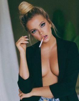 Екатерина Шкуро на фото в стиле «ню»