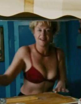 Ирина Розанова в купальнике на кадрах из фильма Танкер «Танго»