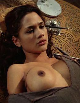 Голая Дани Вериссимо на эротических кадрах из кино (18+)