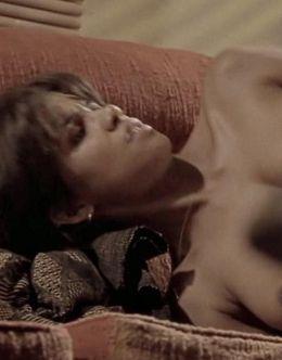 Полностью голая Холли Берри в фильме «Бал монстров»