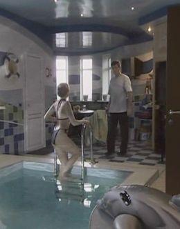 Анна Ковальчук в купальнике на кадрах из сериала «Усадьба»