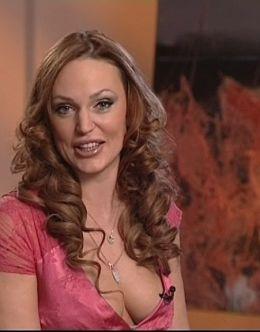 Засвет груди Аллы Довлатовой со съемок телепередачи
