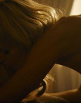 Екатерина Кузнецова в постельной сцене сериала «Вампиры средней полосы»