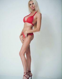 Лариса Сладкова в купальнике