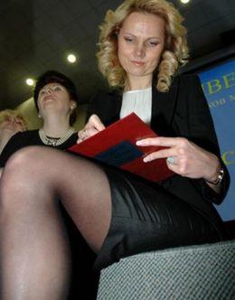 Засветы Татьяны Голиковой (ножки)