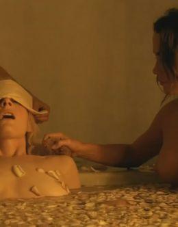 Вива Бьянка показала голую грудь в сериале «Спартак: Месть»