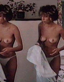 Наталья Негода с голой грудью в фильме «Маленькая Вера» (1988)