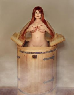Голая Юлия Рыбакова позирует в бане