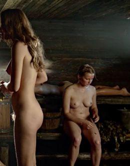 Голая Софья Лебедева в бане из фильма «А зори здесь тихие...»