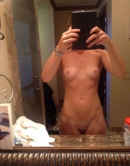 Полностью голая Линдси Вонн на слитых фото