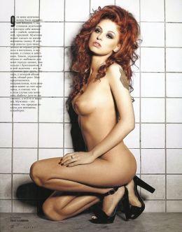Ню фото Ирины Забияки из «Плейбой» (голая грудь)