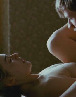 Полностью голая Кейт Уинслет из эротических сцен в кино
