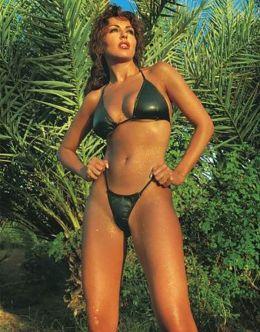 Сабрина Ферилли в купальнике